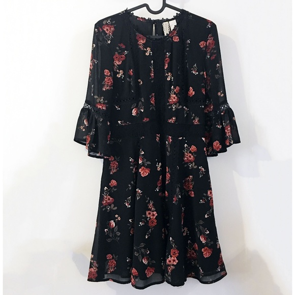 H&M Dresses & Skirts - H&M Divided black rose floral chiffon dress